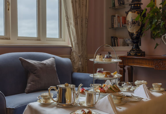 Romantic stay with Afternoon tea, Prosecco and Late check out