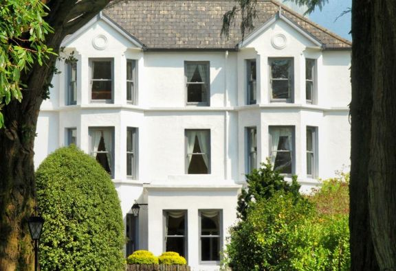 7 Night Staycation at Seaview House Hotel