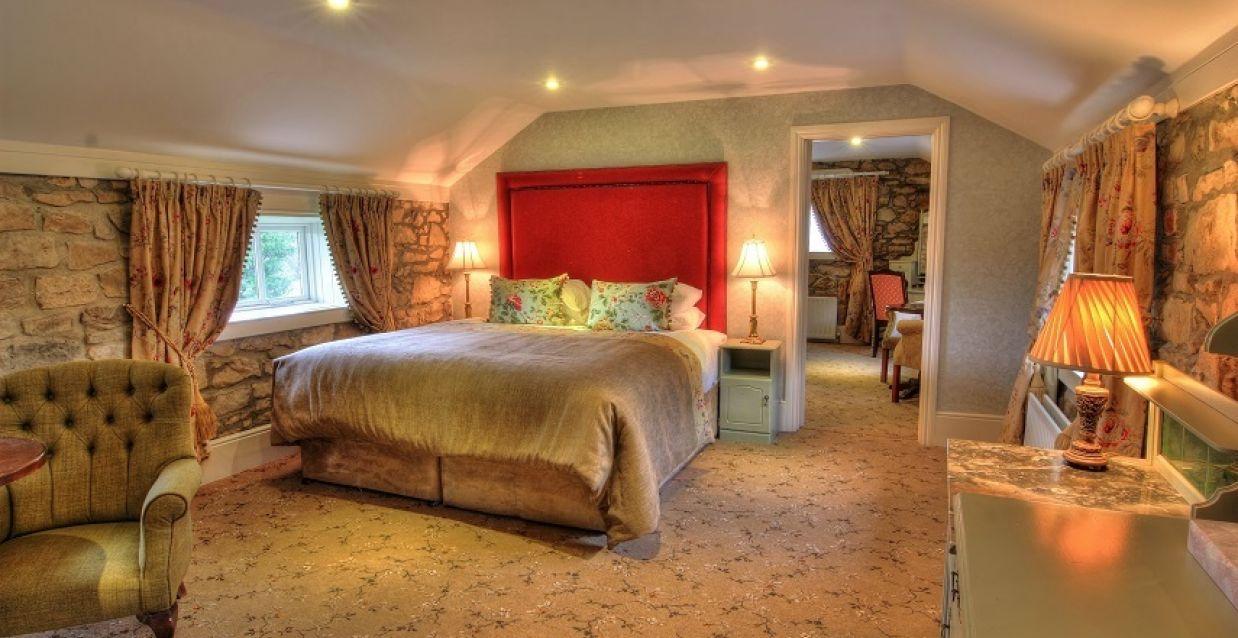 Cabra castle hotel in cavan original irish hotels for Castle haven cabins