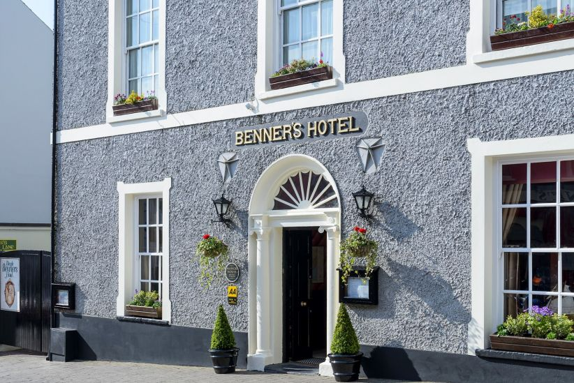Dingle Benners Hotel 2 Crop